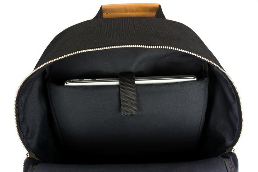 Backpack_inner_ee230df6-3059-4197-a583-c708ea51e64e_820x